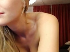 Amazing Blonde Oil Show Webcam Girl