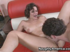 Short haired Bobbi Starr gets her hairy pussy eaten
