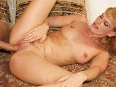 Hot blonde milf Darryl Hanah insane anal sex